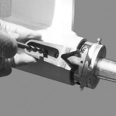 Coupe-orin Spurs - Installation du bloqueur sur l'étambot 1